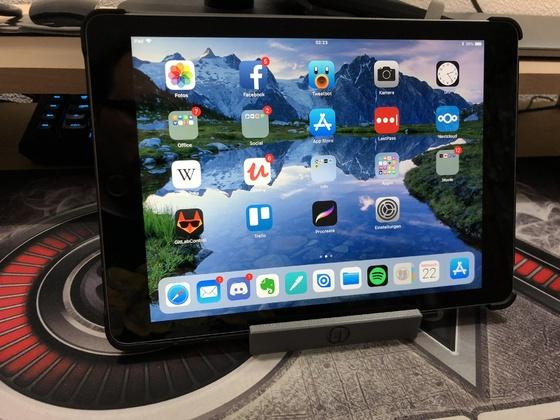 iPad Stand & Apple Pencil Holder